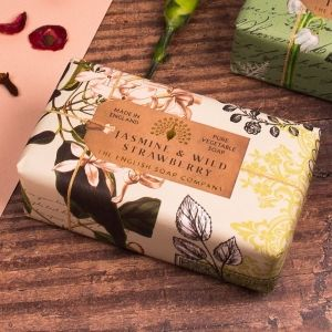Луксозен Сапун The English Soap Company Anniversary Jasmine and Wild Strawberry Soap 200g